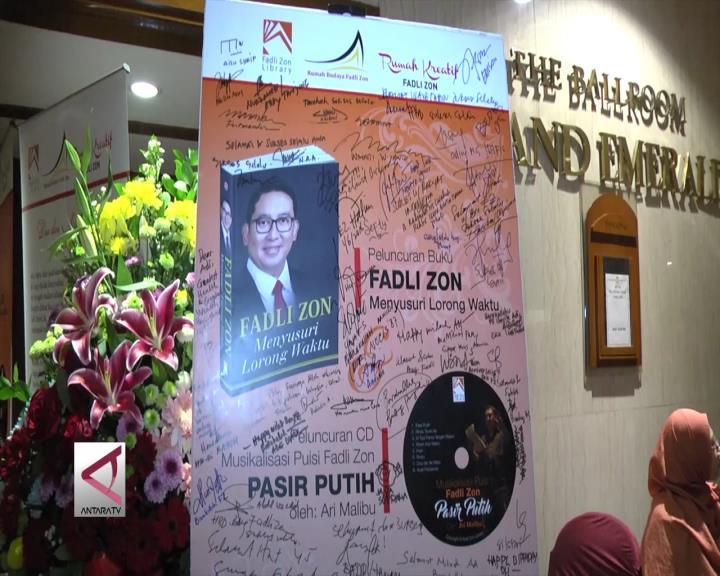 Fadli Zon Persembahkan Buku Untuk Orang Tuanya