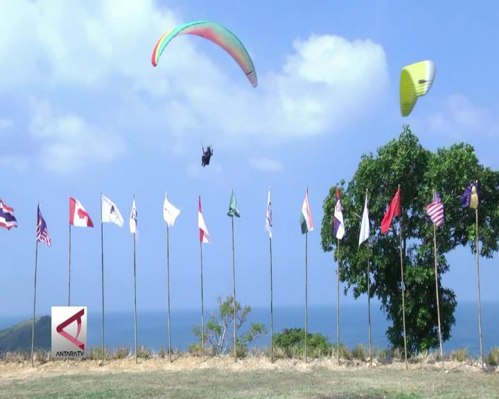 Kejuaraan Dunia Paralayang Digelar di Lombok