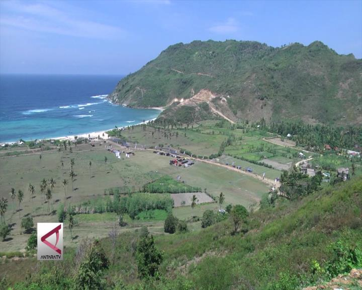Wisata Dirgantara di Pulau Eksotis Indonesia