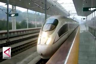 Menakar Proyek Kereta Semi Cepat Jakarta-Surabaya