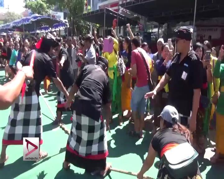 Warga Bali Gelar Tradisi Med Medan Usai Nyepi