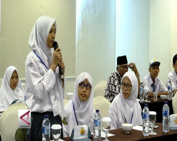 Siswa Asal Bengkulu Memulai Kunjungan ke Jawa Tengah