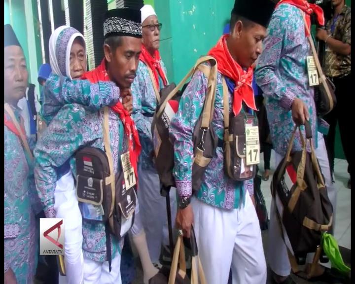 4.479 Calhaj Embarkasi Surabaya Berisiko Tinggi