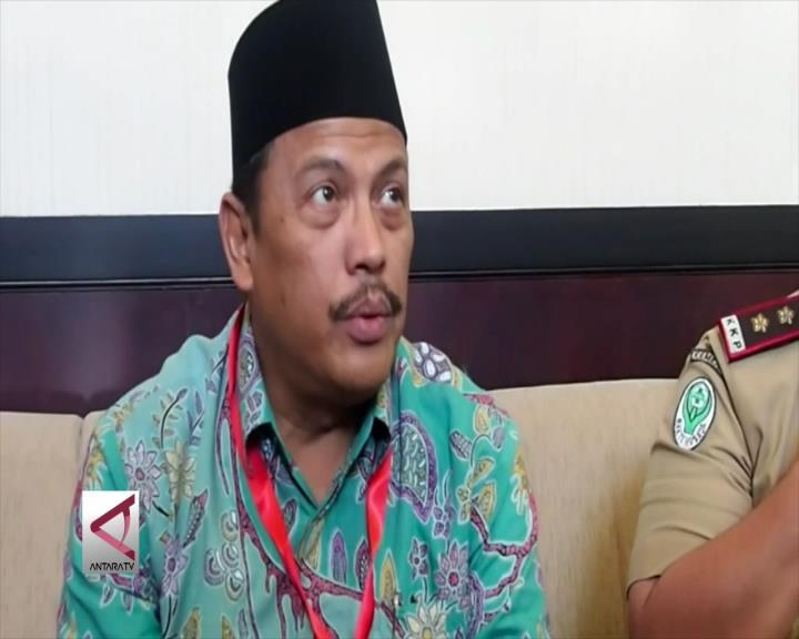 93 Calhaj Embarkasi Surabaya Terganjal Visa