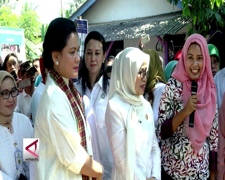 Ibu Negara Kunjungi Kampung Sejahtera di Banten