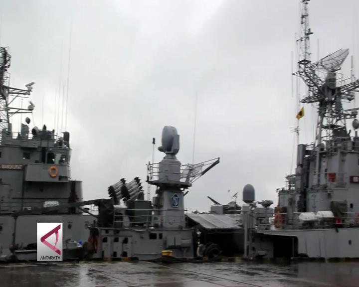 5 Kapal Perang Merapat di Balikpapan