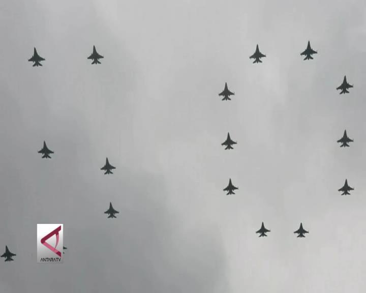 Pesawat Tempur RI dan Singapura Berformasi Indah di Langit