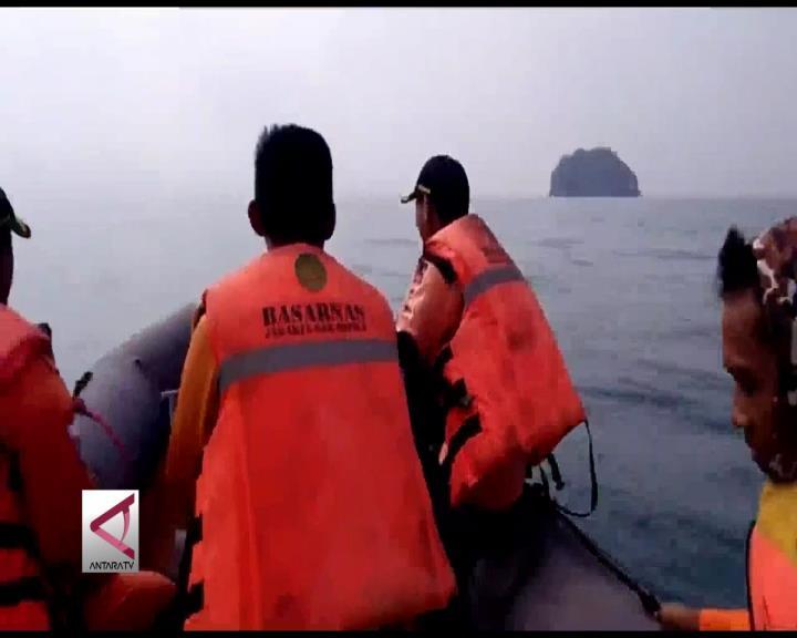 Tim SAR Cari Penumpang Jatuh dari Kapal