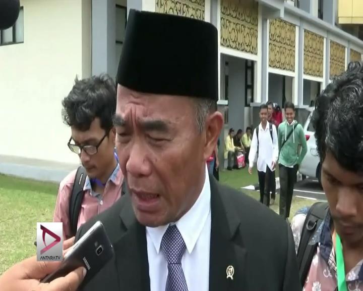 Mendikbud Larang Siswa SD-SMP Tonton Film PKI