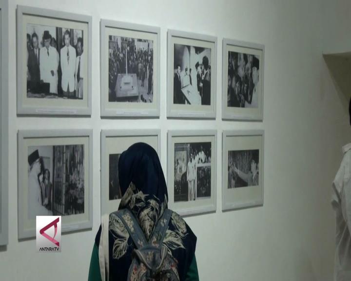 Melihat Sisi Lain Soekarno dari Kacamata Seni