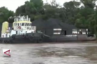 Pemprov Kalteng tahan 2 togkang batu bara tanpa izin