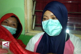Puluhan warga keracunan gas belerang kawah gunung ijen