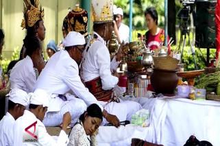 Ribuan umat hindu hadiri Prosesi Tawur Kesangan