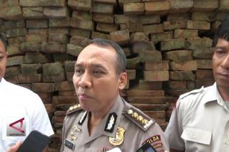 Polda sumbar sita truk pembawa kayu ilegal