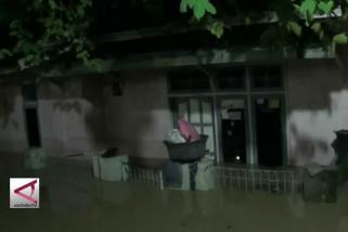 Pemkot Cilegon masih waspada banjir susulan