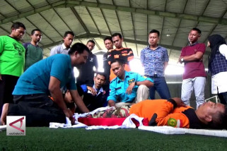 Petugas ambulans ikuti pelatihan penanganan gawat darurat