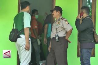 Densus 88 geledah kontrakan terduga teroris di Sukabumi