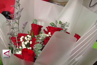 Bisnis buket bunga dan coklat yang berawal dari hobi
