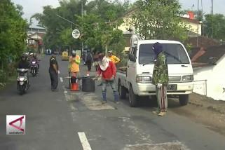DPU Temanggung perbaiki jalur alternatif lintas tengah