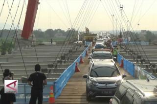 Menteri PUPR resmi buka jembatan tol Kalikuto