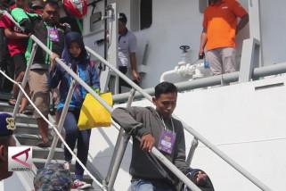 6 Kapal bawa ribuan pemudik gratis tiba di Tanjung Emas