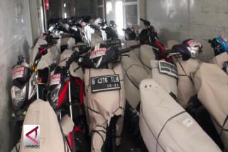 Sepeda motor pemudik tiba di Stasiun Tawang