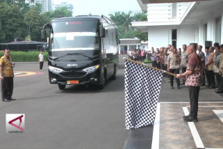 Menhan lepas 29 armada bus mudik gratis