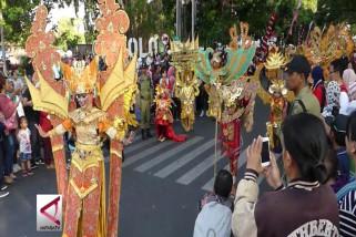 Keberagaman Indonesia di Solo Batik Carnival