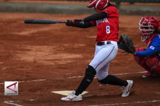 Cetak 2 Skor, Sofbol Putri Indonesia bersaing dengan Korea