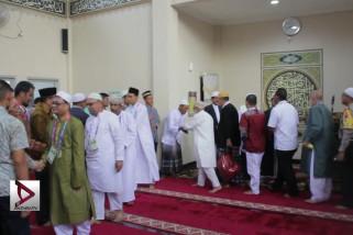 Atlet muslim laksanakan Salat Idul Adha di Jakabaring