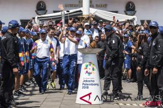 Giliran Bandung mengarak Api Obor Asian Games