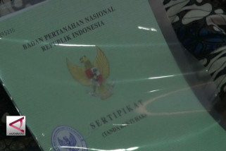 Presiden bagikan 5.000 sertifikat kepada warga DIY