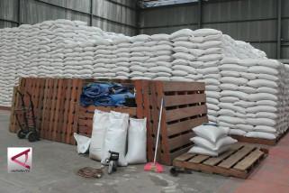Bulog pasok 500 ton beras untuk stabilisasi