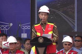 Pembangunan infrastruktur masif demi mempersatukan RI