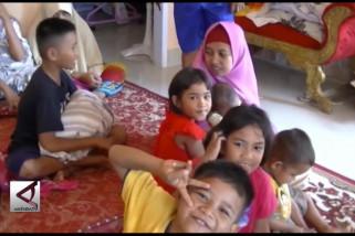 Warga Kendari tampung korban pengungsi bencana Sulteng