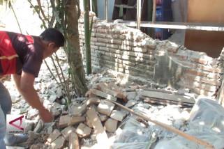 Puluhan Rumah di Jember rusak akibat Gempa 6,4 SR