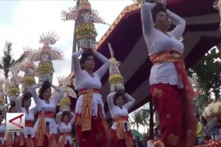 Presiden Lepas Parade Budaya Di Pertemuan IMF-WB