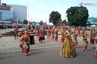 Video - Parade batik perkenakan batik khas Banyumas