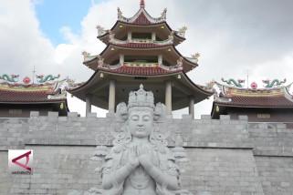 Melirik megahnya Vihara terbesar Se-Asia Tenggara di Kepri