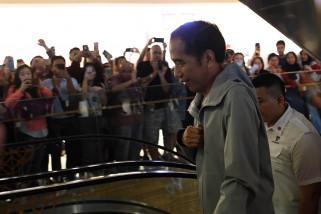 Stop politik genderuwo, kata Jokowi