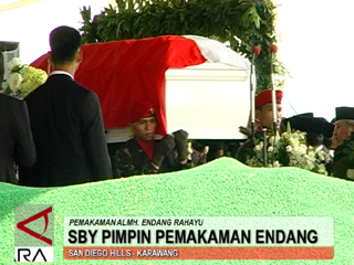 SBY Pimpin Pemakaman Endang