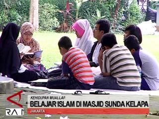 Belajar Islam di Masjid Sunda Kelapa