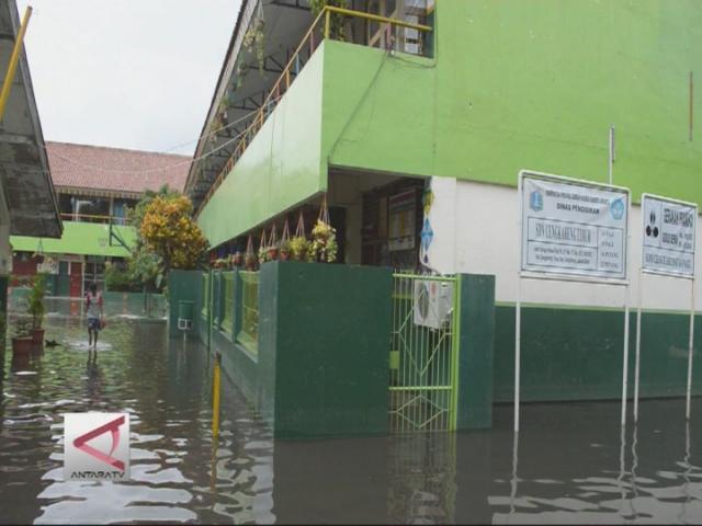 Akibat Banjir Sekolah Diliburkan