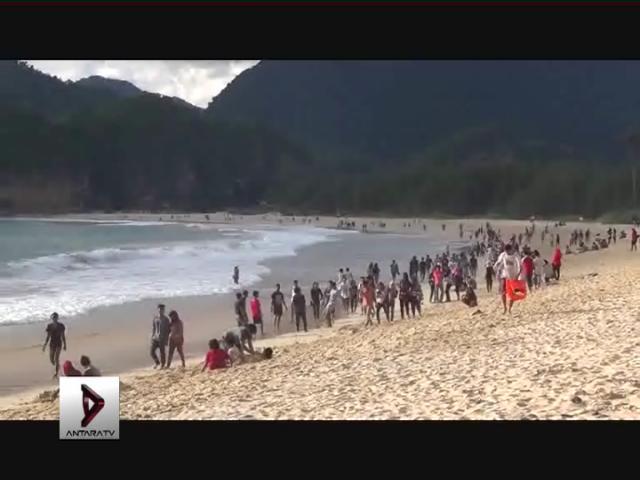 Menikmati Pantai dengan Ikan Bakar Aceh-Minang