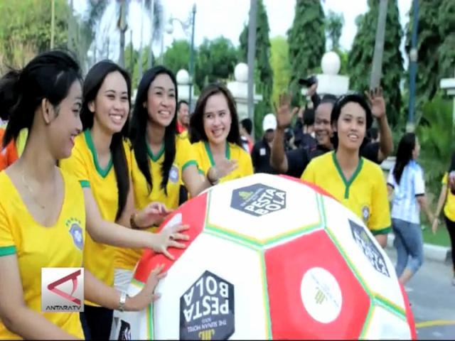 Sambut Piala Dunia Dengan Pesta Bola