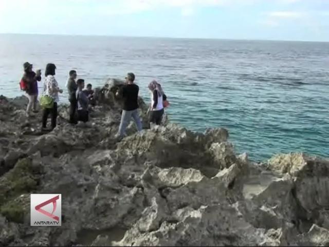 Tanjung Saruri Wisata Pantai Biak Yang Alami