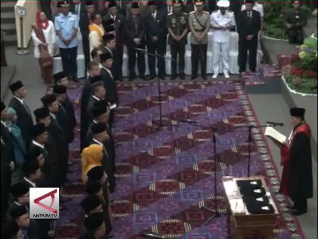45 Anggota DPRD Kepri Dilantik