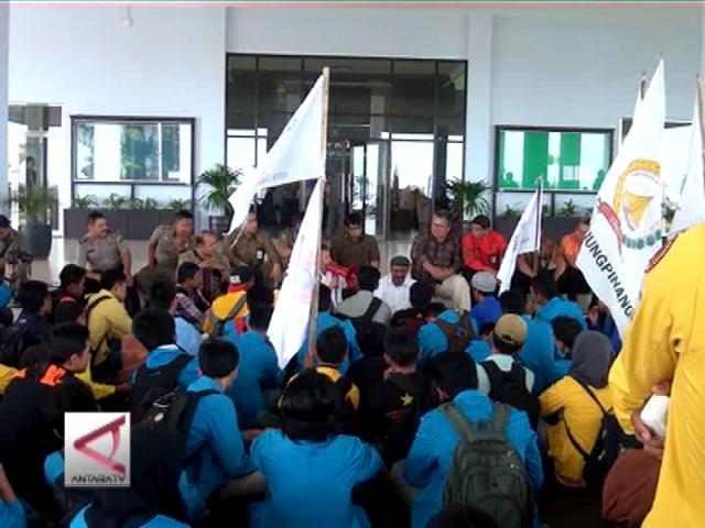 Mahasiswa Desak DPRD Kepri Tolak RUU Pilkada