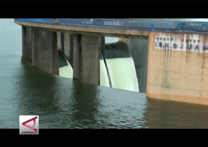 Air Waduk Jatiluhur Diatas Normal
