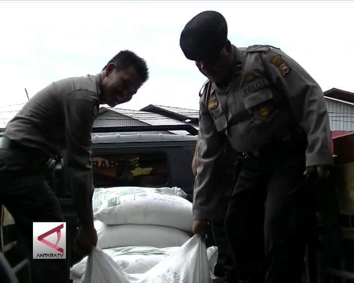 Polisi Angkut 12,1 Ton Gula Rafinasi